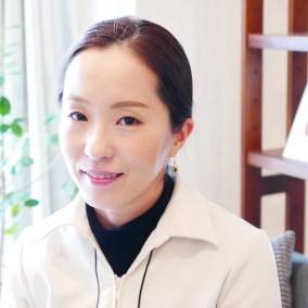 「眉を分析して顔のコンプレックスを魅力に」新しい美容家を目指す、竹内梨紗さん