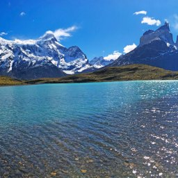 Patagonia: journey among penguins, glaciers and blue lakes