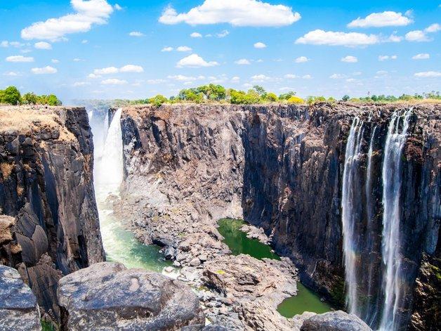 09victoria-falls-in-zimbabwe-and-zambia