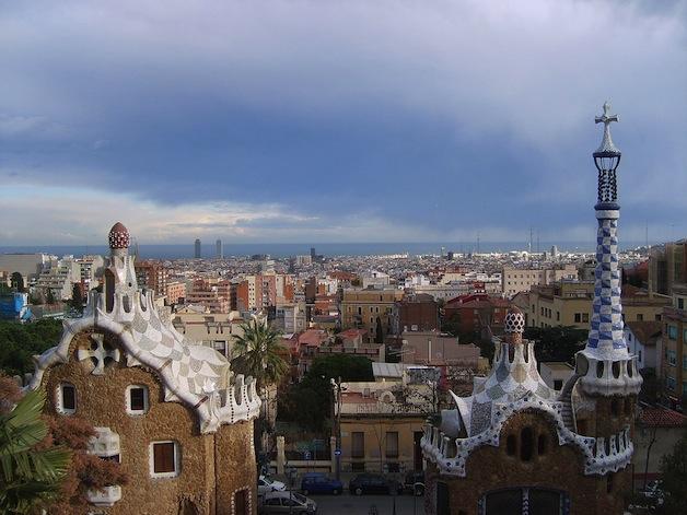 1200px-Barcelona_in_Parc_Güell