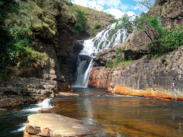 Catarata-dos-Couros,-Alto-Paraíso-de-Goiás
