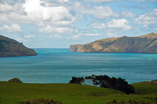 1200px-akaroa_harbour_entrance_canterbury_new_zealand_22nd