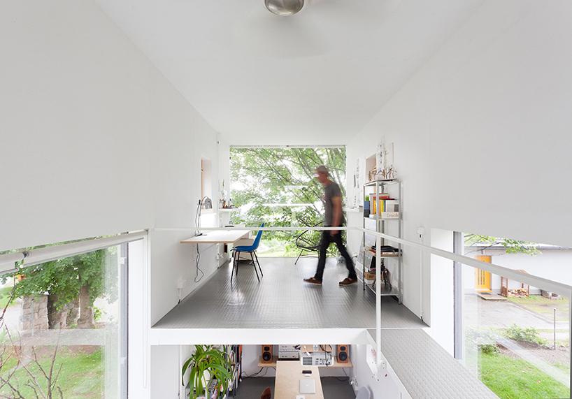 petr-stolin-architects-zen-houses-czech-republic-designboom-06