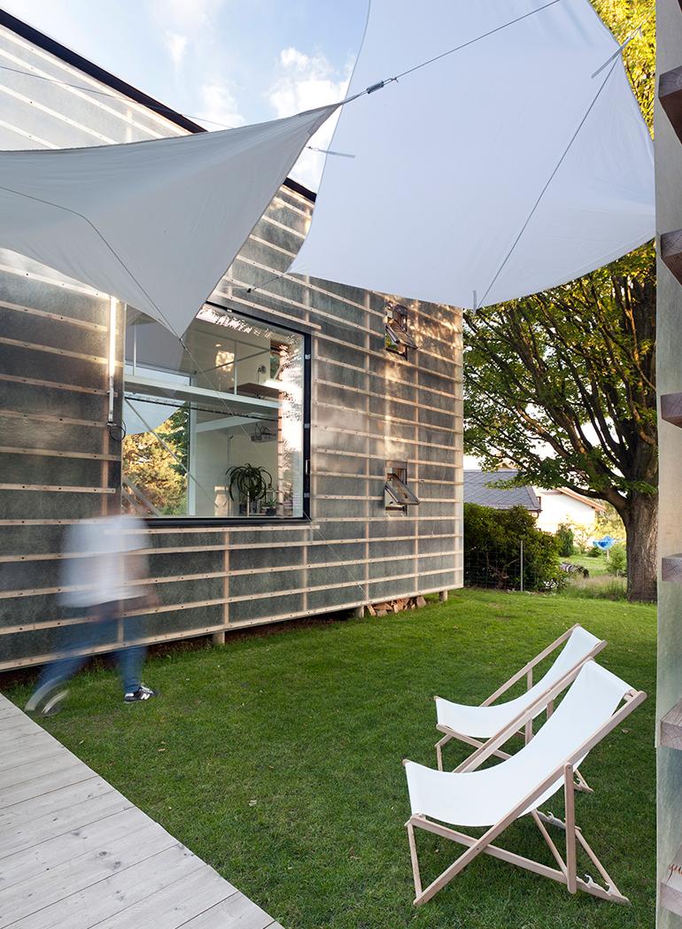 petr-stolin-architects-zen-houses-czech-republic-designboom-07