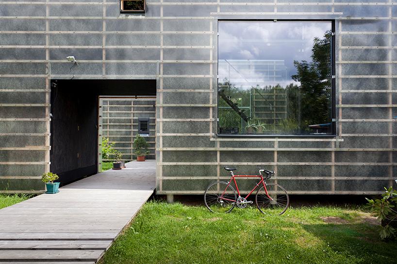 petr-stolin-architects-zen-houses-czech-republic-designboom-08