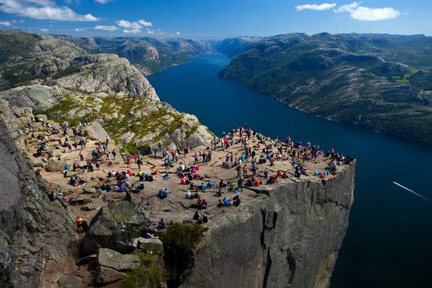 Preikestolen_Pulpit_Rock_Lysefjord_Norway