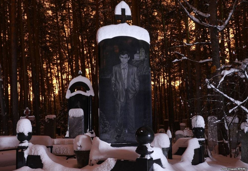 gangster-cemetery-yekaterinburg-162
