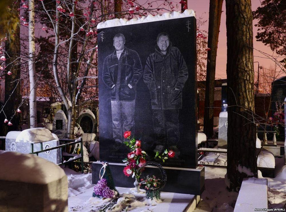 gangster-cemetery-yekaterinburg-32