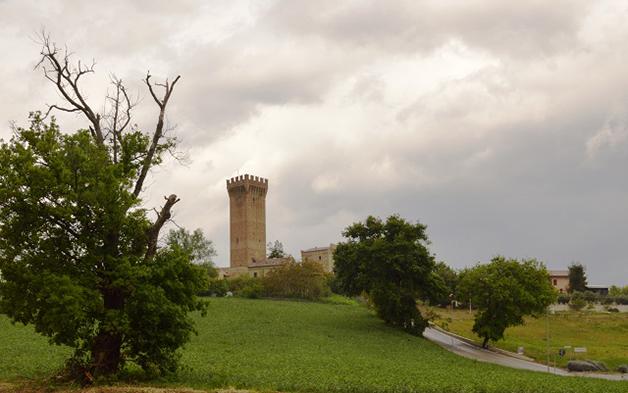 1494842076_Marche_Recanati_Castello di Montefiore Tracciati Localjpg