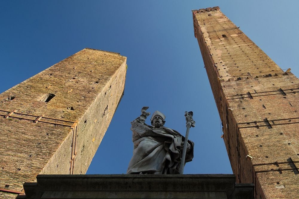 towers-of-bologna-62