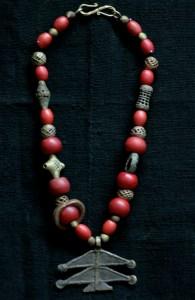 Bronze amulet Ghana, ivory coast basket beads