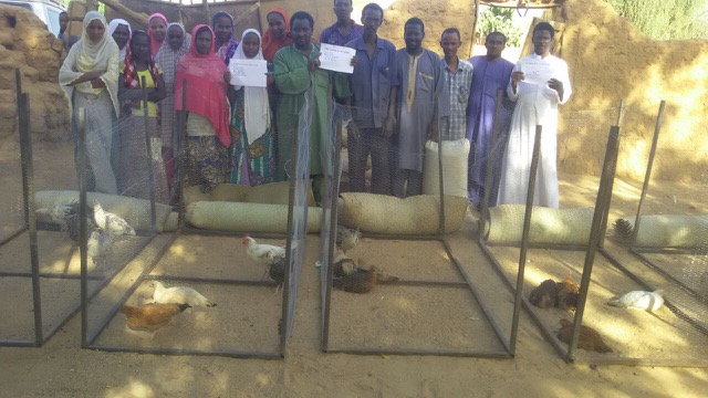 Fifteen people, nine women and six men, received 3 hens and one rooster, chicken pen, food and vaccinations. After one year, the first round of candidates will repay their loan and a new group will begin.