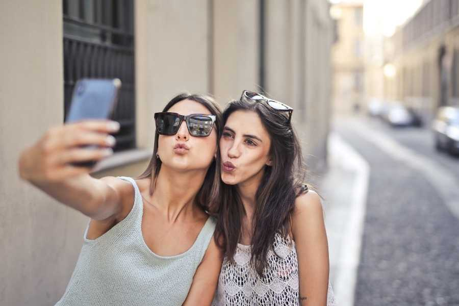 How To Take Photos Of Yourself While Travelling Solo (2)