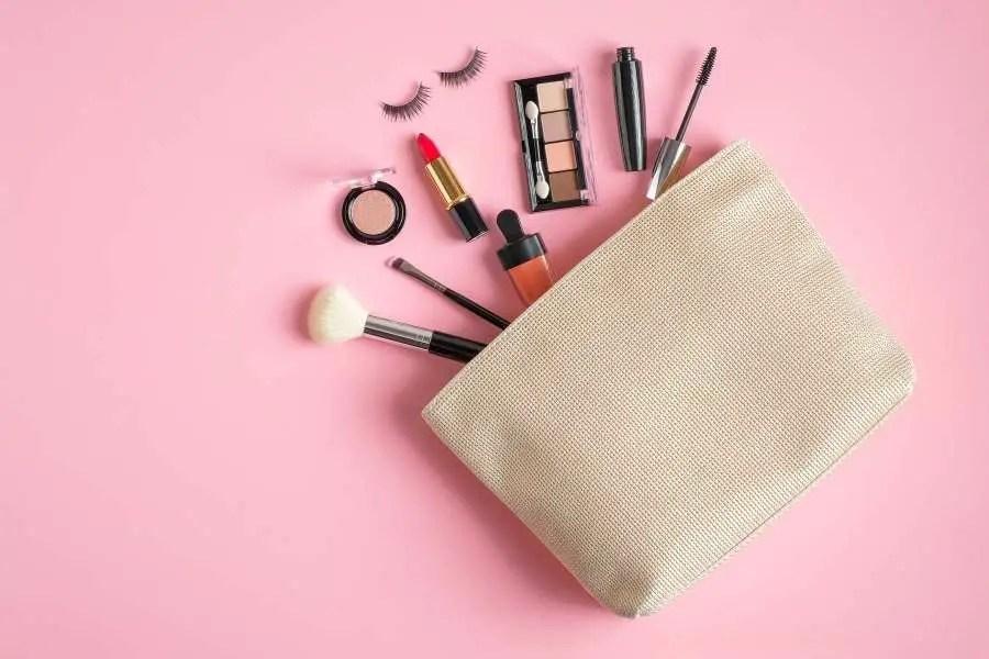 Makeup bag for long-term travelling