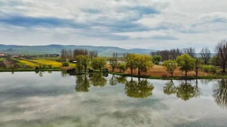 lacul de la Belin