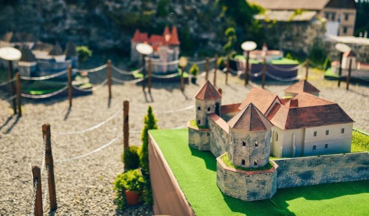 Parcul Mini Transilvania featured