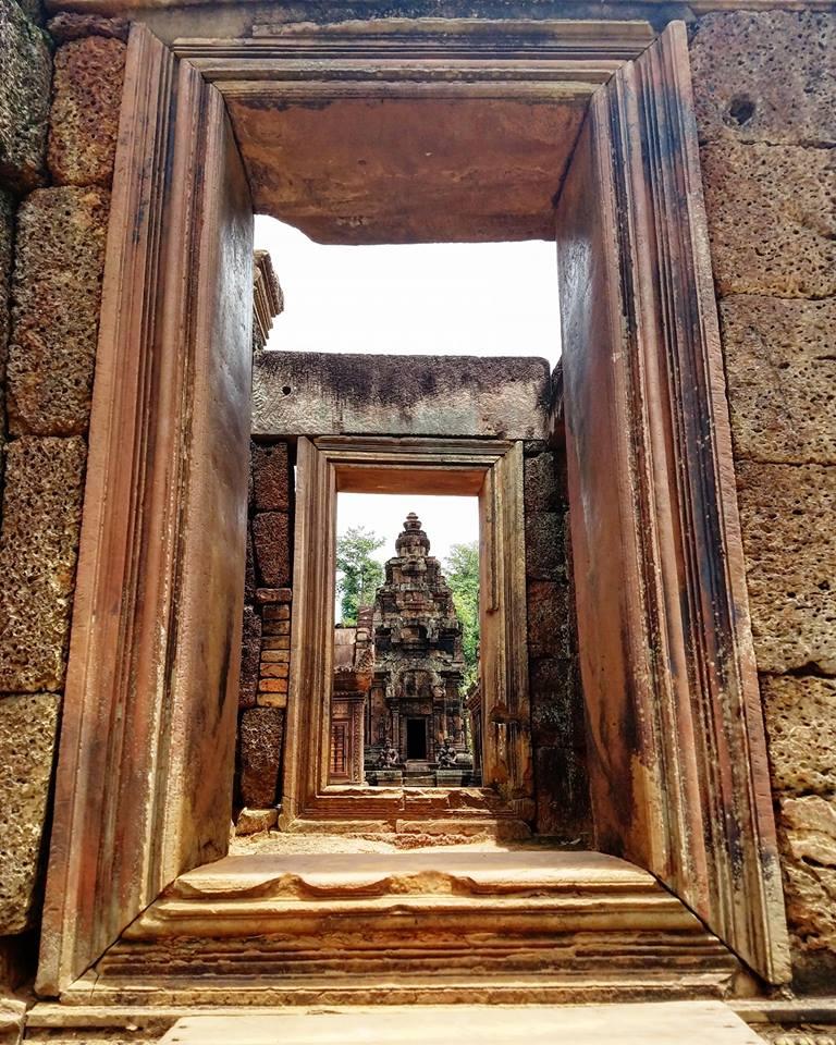 """Banteay Srei, Banteay Srei """"Citadel of Women"""" Temple"""