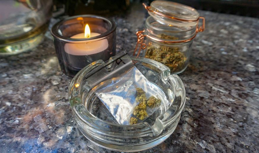 3 days in amsterdam cannabis cafes