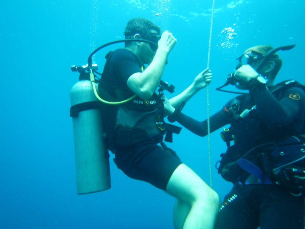 underwater scuba lessons in thailand