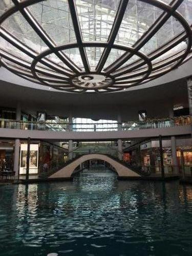Wasserstraßen im Shopping Center Marina Bay