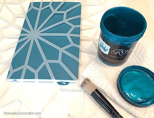Stencil Creme in Peacock Fancy Blue