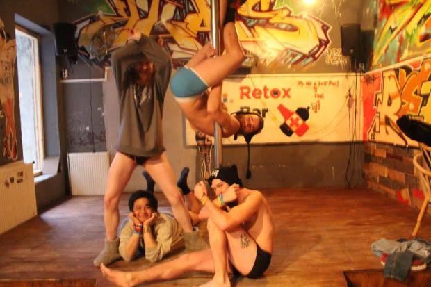 Retox Party Hostel