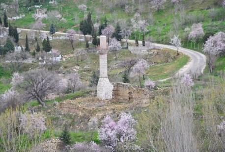 Broken minaret in Bilecik, Turkey