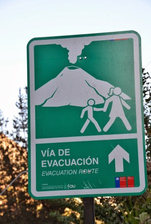Volcano evacuation route at El Volcán