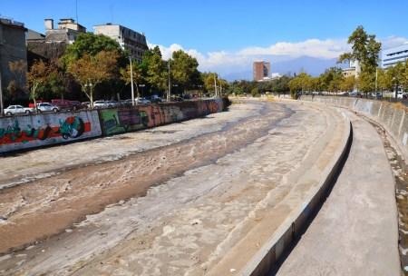 Río Mapocho in Santiago de Chile