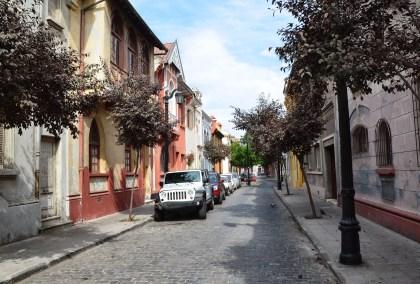 Pasaje Lucrecia Valdés in Barrio Yungay, Santiago de Chile
