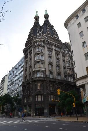 Edificio Otto Wulf in Barrio Monserrat, Buenos Aires, Argentina