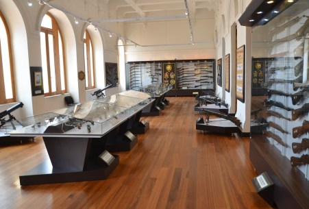 Weapons gallery Museo Histórico de la Policía Nacional in La Candelaria, Bogotá, Colombia