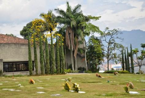 Cementerio Jardines Montesacro in Itagüí, Antioquia, Colombia