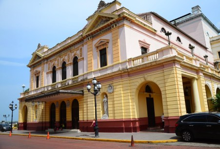 Teatro Nacional on Plaza Bolívar in Casco Viejo, Panama City