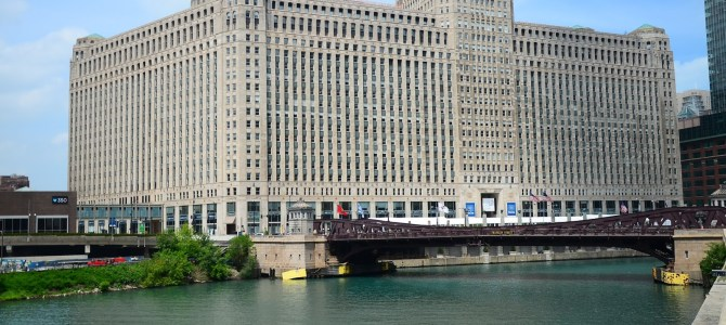 Architecture Along the Chicago River