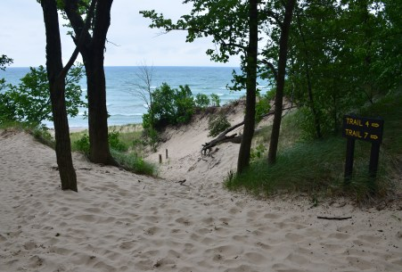 The beach at Trails #7 and #4 at Indiana Dunes State Park