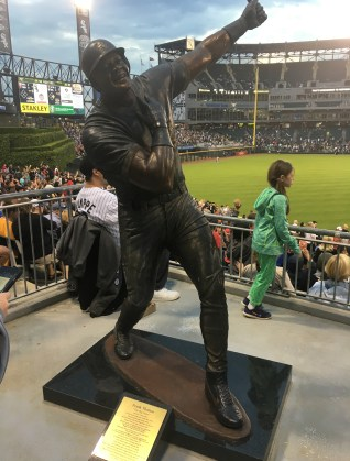 Frank Thomas statueat Guaranteed Rate Field in Chicago, Illinois