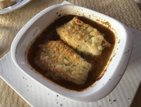 French onion soup at Hispania in Pereira, Colombia