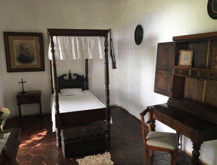 Efraín's room at Hacienda El Paraíso in Valle del Cauca, Colombia
