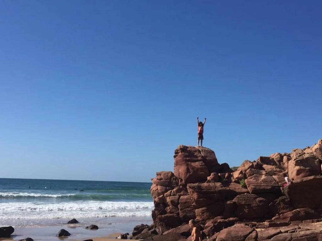 Scrambling in Praia do Amado