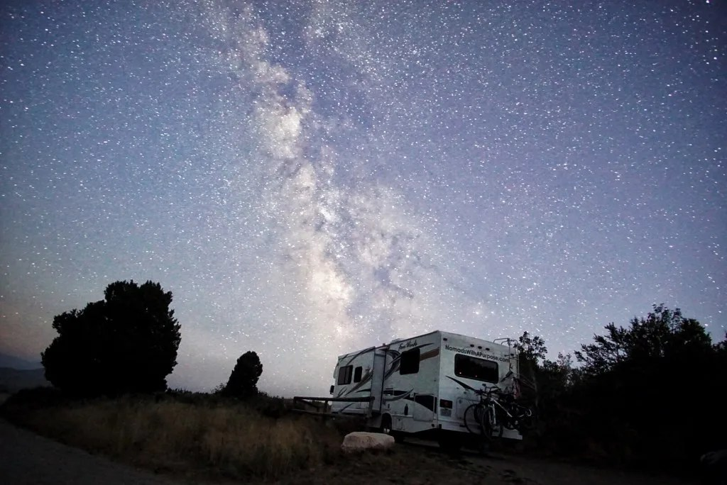 Camping under the stars in City or Rocks