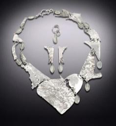 Hebrides Heart Shield Set