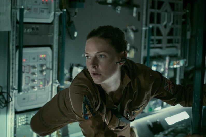 Life-Movie-Rebecca-Ferguson-2017