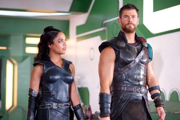 Tessa Thompson and Chris Hemsworth in Thor Ragnarok