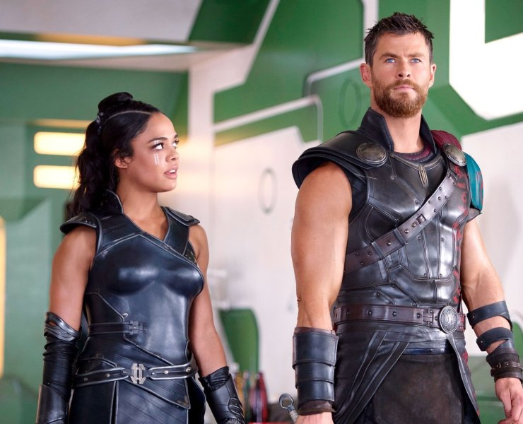 Tessa Thompson and Chris Hemsworth in Thor Ragnarok