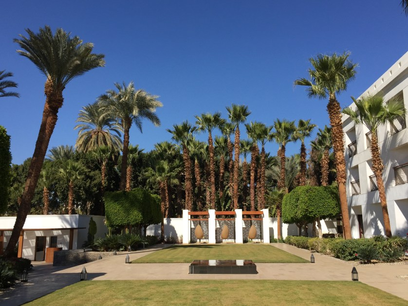 Hilton Luxor Grounds