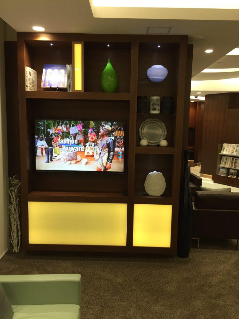 Etihad Arrivals Lounge Decor