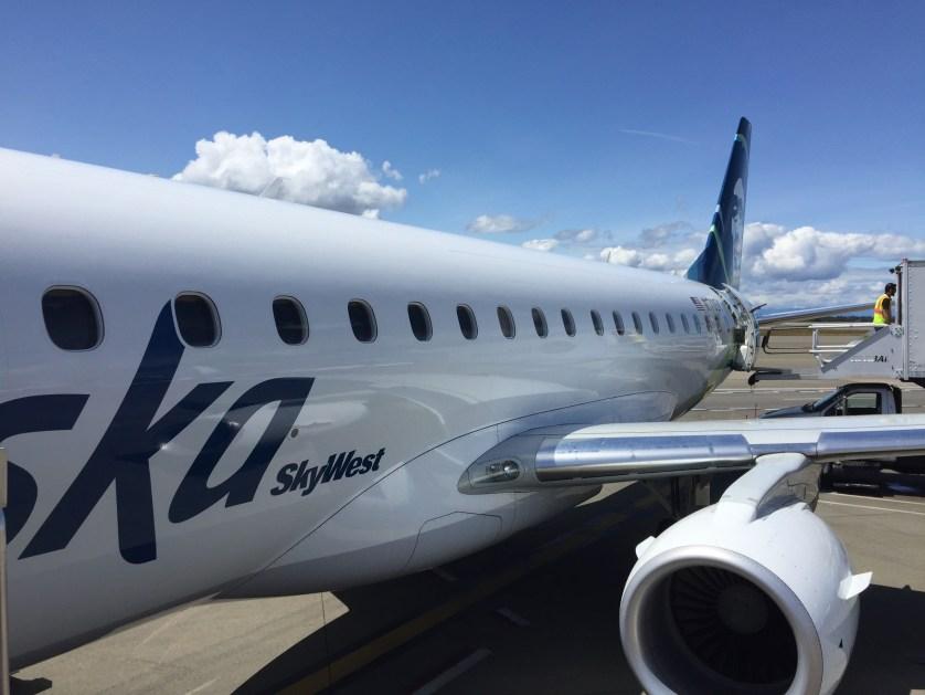 Alaska SkyWest First Class E75