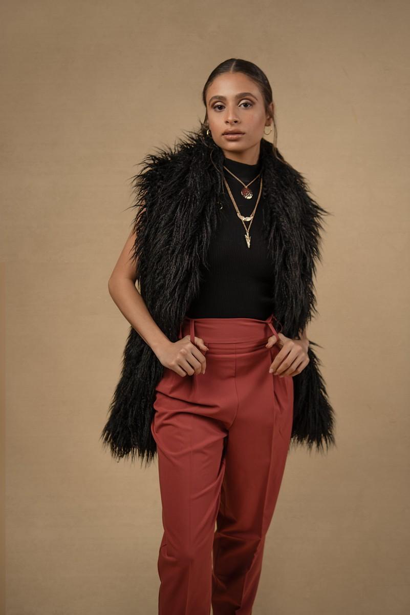 Zoe black fur