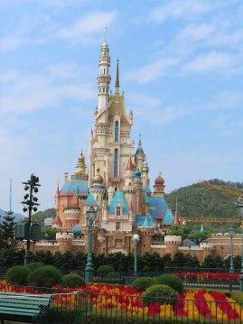 800px-20201019_Castle_of_Magical_Dreams